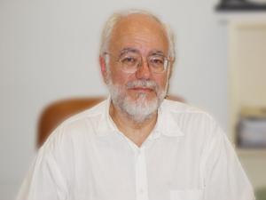 El Profesor Arturo Benito