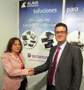 Mª Teresa Aguado, de Tecnatom,  y José Mª Almazán, de Álava Ingenieos