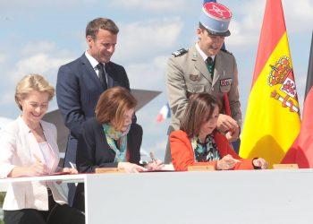 Ministras Defensa firma FCAS
