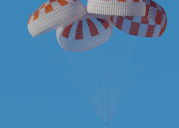 Pruebas de los paracaidas de la Crew Dragon