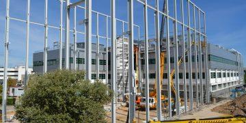Construcción de la nueva sala blanca en Thales Alenia Space España