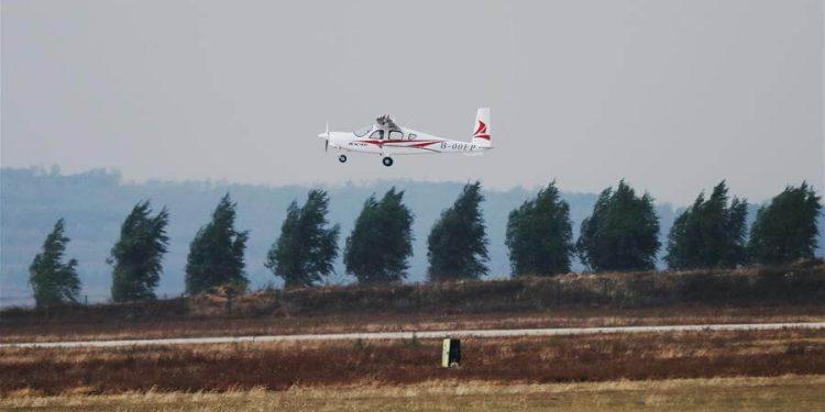 Vuelo del primer avión eléctrico chino
