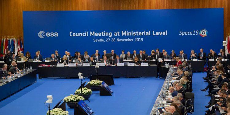 Mesa presidencial de la Conferencia Ministerial de la ESA
